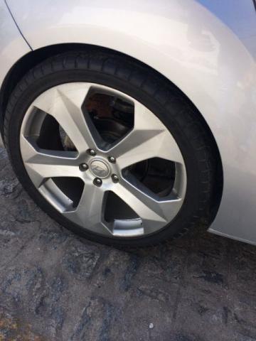 Roda aro 20, furação 5 x 114 com pneus meia vida