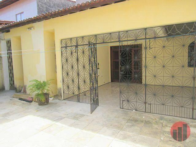 Casa com 3 dormitórios para alugar, 178 m² por R$ 1.600/mês - Cambeba - Fortaleza/CE - Foto 4
