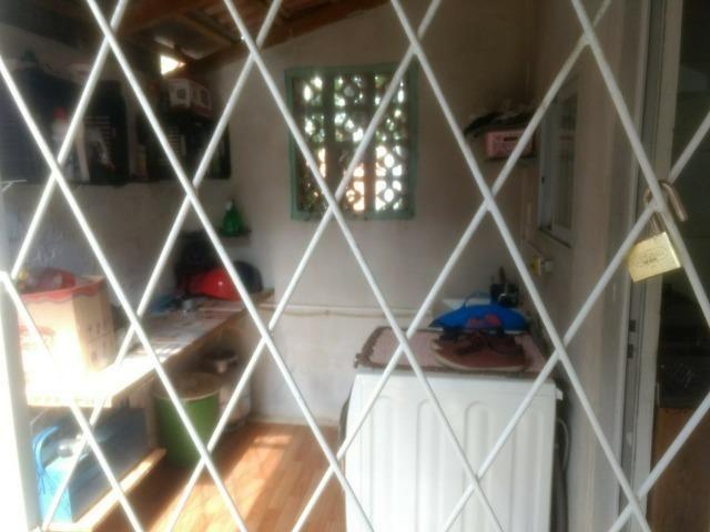 Alugo casa com dois quartos - Foto 5