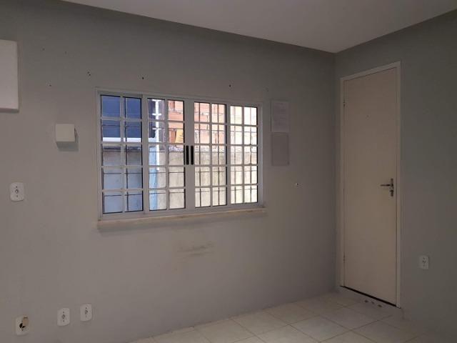 Sala comercial no Rio Vermelho, com banheiro próprio - Foto 9