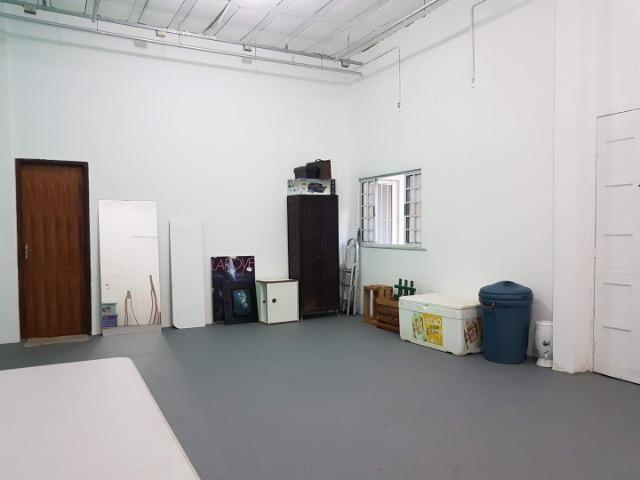 Espaço com pé direito alto para estúdio de dança, pilates, etc. no alto do Rio Vermelho - Foto 9