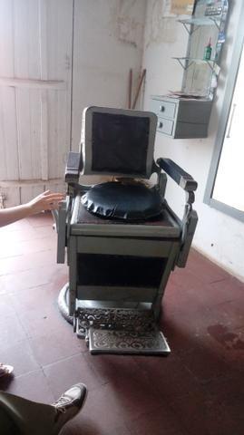 Vendo cadeira para barbearia - Foto 2