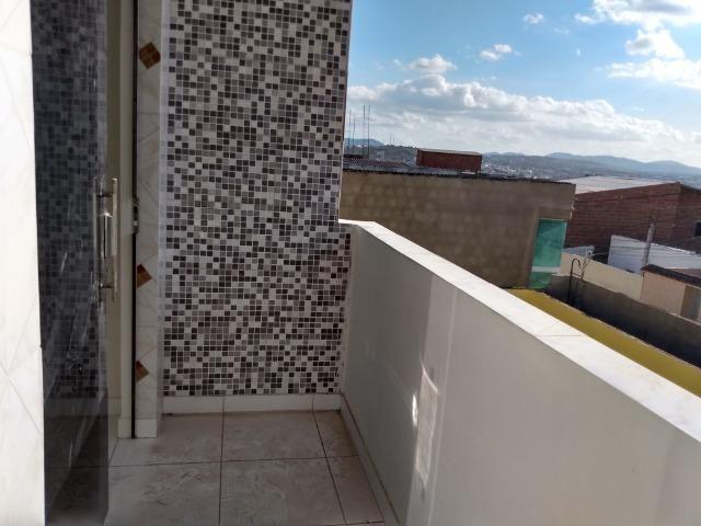 Casa tipo duplex 2 suítes, varandão, garagem coberta com cisterna e quintal Gigante - Foto 15