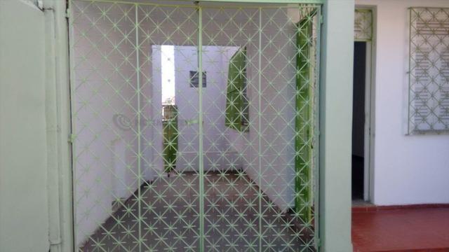 Casa 6 Quartos com 3 Garagens à Venda no Iapi ( 682817 ) - Foto 3