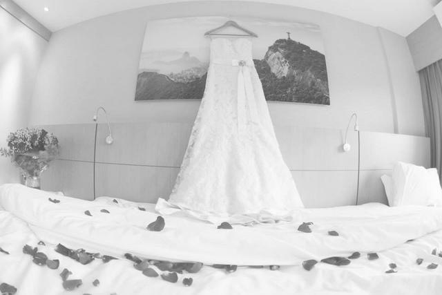 Vendo vestido de noiva - Foto 2