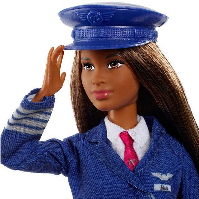 Boneca Barbie Piloto de Avião - Negra lindaaaa!