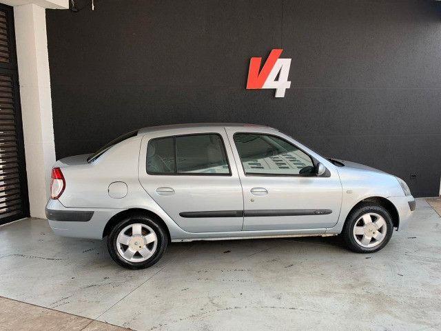 Renault Clio Sedan Privilege 1.6 2004/05 - Foto 3