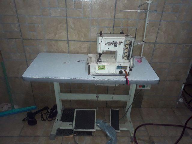 Vendo duas maquinas de costura semi novas - Foto 2