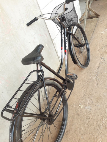 Vendo essa bicicleta monarck tropical boa 200 entrego