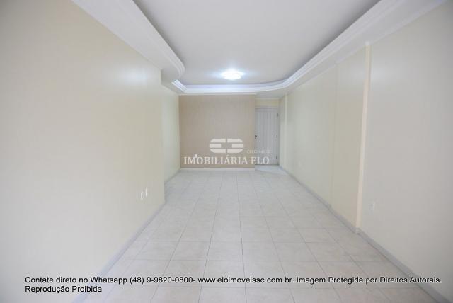 Apartamento no Bairro Estreito com 02 vagas - Foto 3