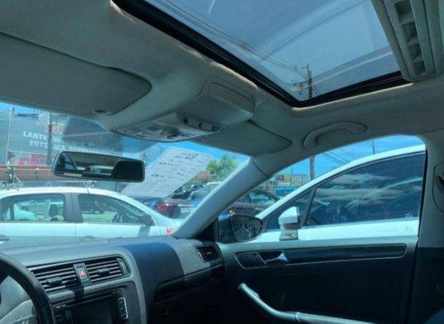 Vw. Volkswagen Jetta Comfortline 2.0 2010.  - Foto 4