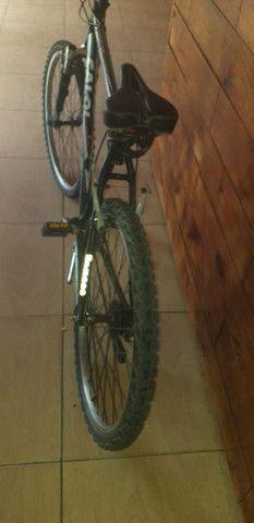 Bicicleta usada mais com tudo só pegar e andar!