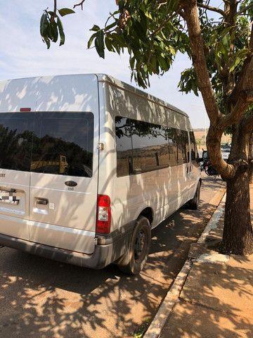 Van Ford Transit 2013 2.2 TDI Diesel 16 lugares - Foto 8