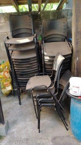 Cadeira ISO Fixa para festa, vendo o conjunto ou somente as cadeiras - Foto 3