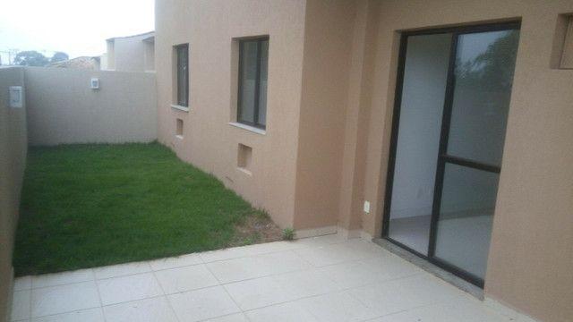 Apartamento Terreo com área privativa perto das firmas, shopping e praias .