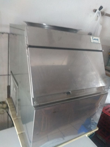 Vendo freezer e máquina de gelo - Foto 2