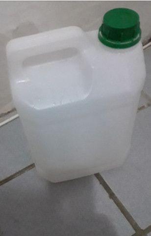 Bombonas de 5 e 20 litros