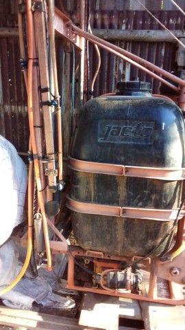 Pulverizador Jacto de 600 Litros  - Foto 2