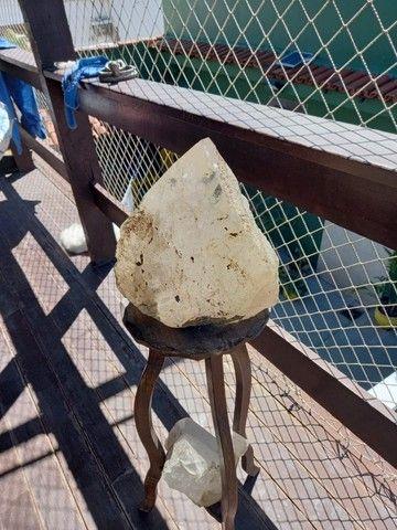 Pedra bruta de cristal com 13.500kg
