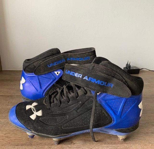 Chuteira Under Armour Futebol Americano Cleats - Size US 13 / BR 45 - Foto 2