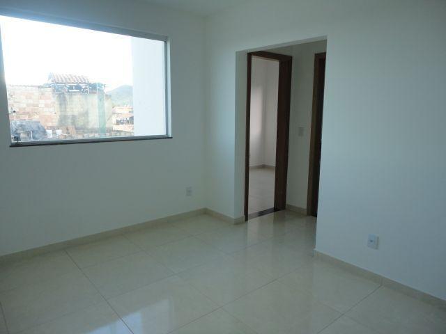 Apartamento 02 quartos no Bairro Jardim Vitória