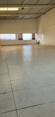 Excelente galpão com 654 m2 AC, excelente ponto comercial e industrial - Foto 10