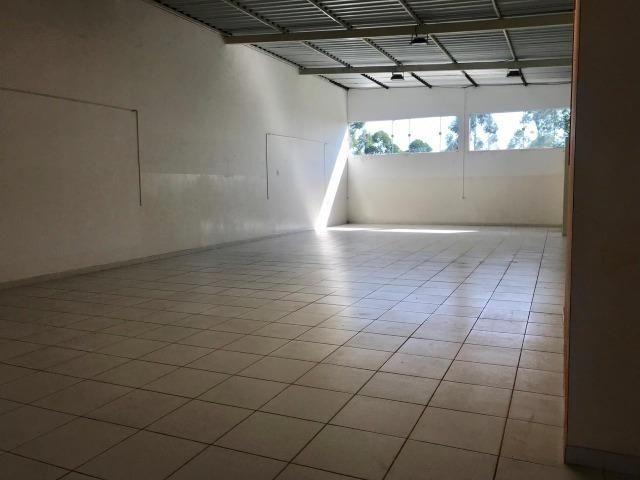 Excelente galpão com 654 m2 AC, excelente ponto comercial e industrial - Foto 13