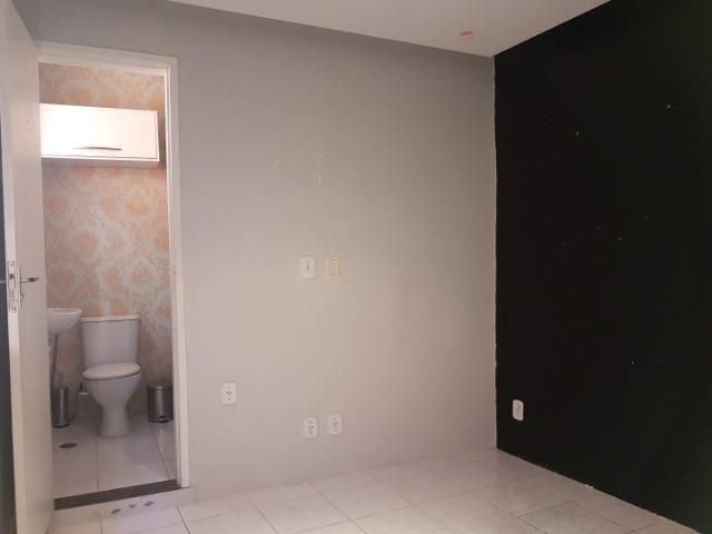 Sala comercial no Rio Vermelho, com banheiro próprio - Foto 11