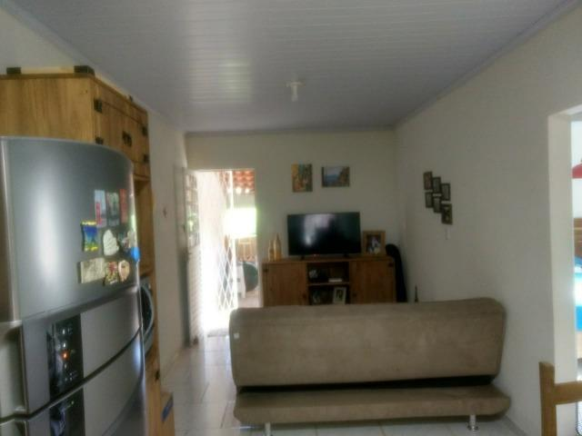 Alugo casa com dois quartos - Foto 7