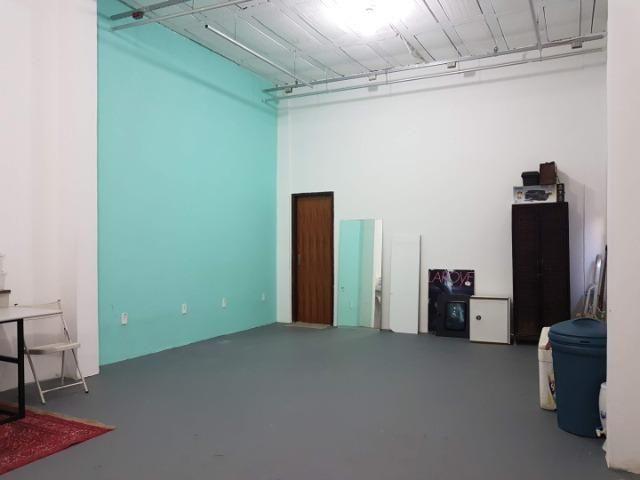 Espaço com pé direito alto para estúdio de dança, pilates, etc. no alto do Rio Vermelho - Foto 5