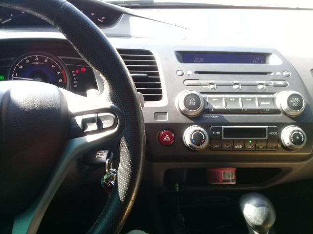 Civic 2011 LXL automatico top de linha baixa km - Foto 9