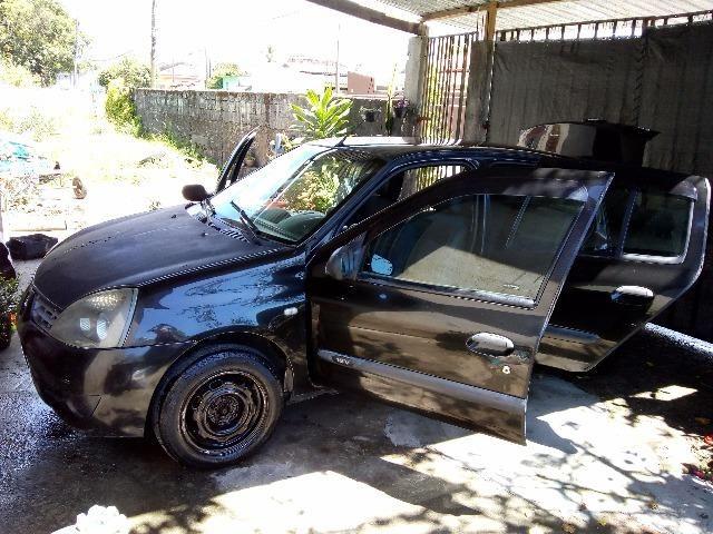 Vende Clio sedan Authentique - Foto 2