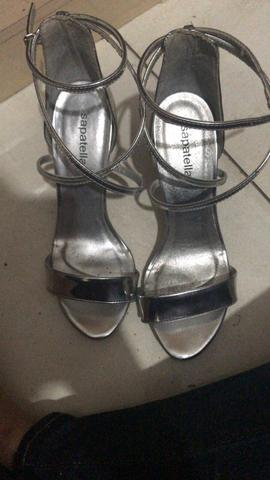 c57fe42d523 Sandália prata - Roupas e calçados - Mal Hermes