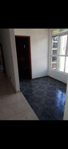 Aluga-se apartamento com dois quartos e uma suíte  - Foto 3