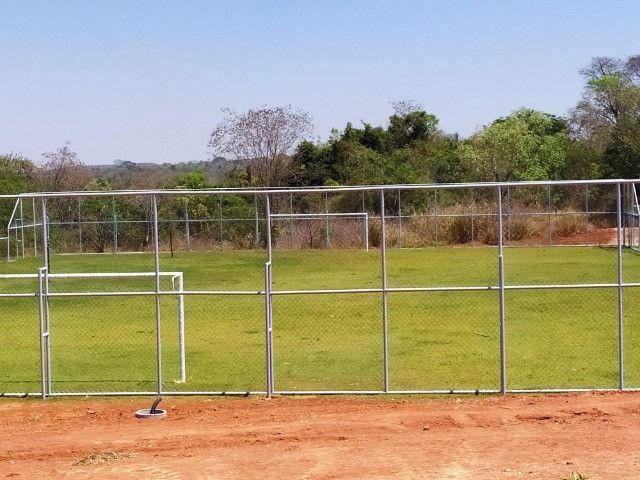 Lote Plano em Condomínio Fechado com Rica Área Verde e Área de Lazer Completo - Foto 2