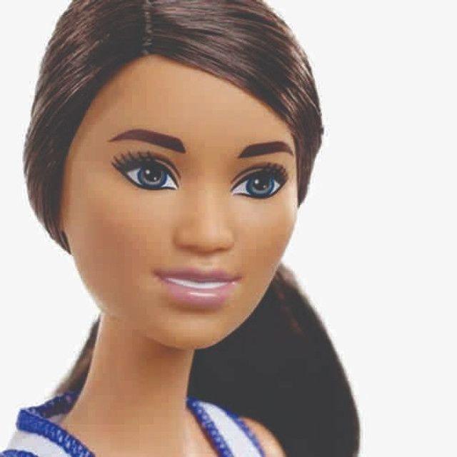 Boneca Barbie Feita Para Mexer Jogadora De Basquete