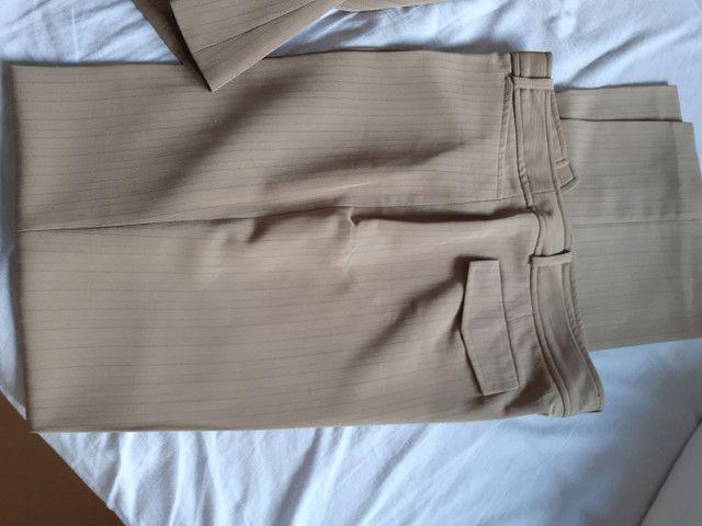 Conjunto de calça de alfaiataria e casaqueto  - Foto 2