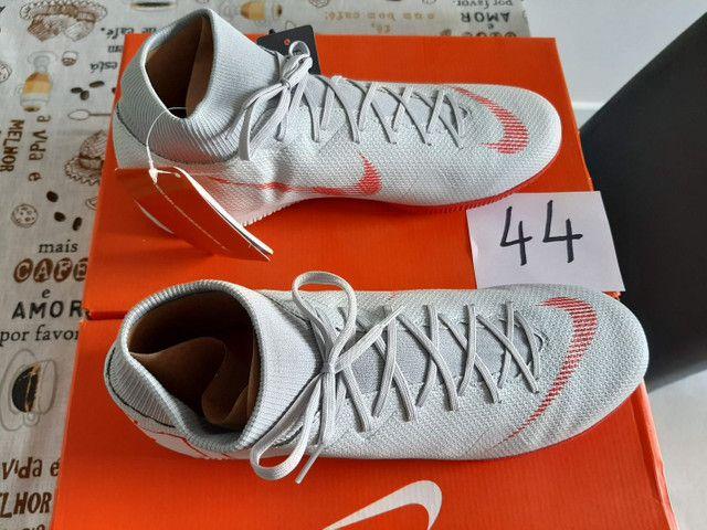 Chuteira futsal Nike 44