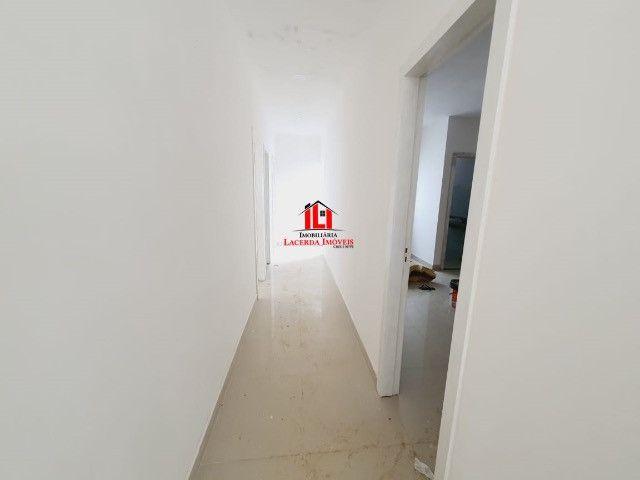 Quinta das Marinas/ Com 3 dormitórios sendo 1 Suíte/ 4 Vagas de garagem. - Foto 10