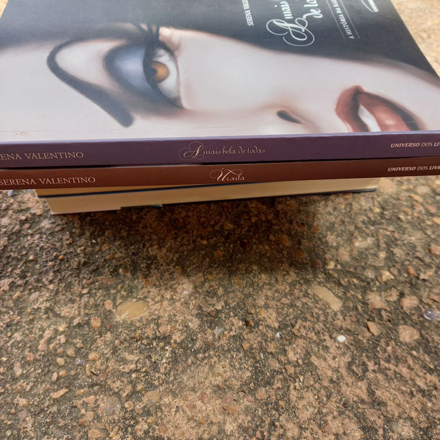 2 livros, Úrsula e A mais bela de todas - Foto 3