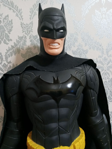 Vendo Batman GIGANTE, por apenas R$ 250 no dinheiro, já no cartão fica no valor de 330 - Foto 2
