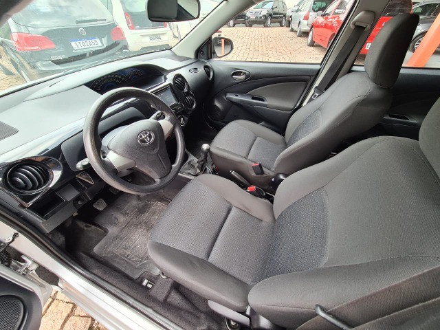 Toyota Etios 1.3X Completo + Multimidia / 2014 ! - Foto 9
