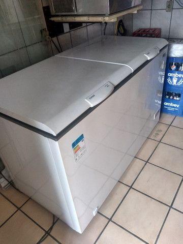 Vendo freezer e máquina de gelo