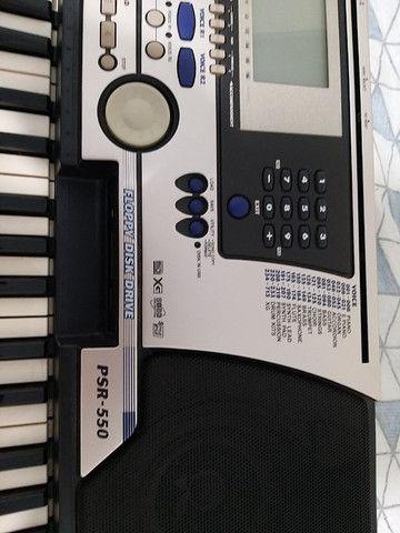 Teclado Yamaha PSR 550 - Foto 5