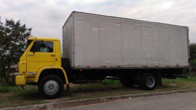 Caminhão baú 8 mts RJ x SP x RJ