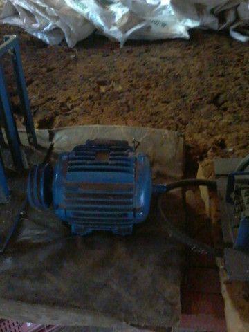 Máquina pneumática  para artefatos de cimento, blocos , pavers, sextavados - Foto 2