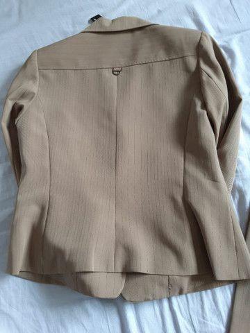 Conjunto de calça de alfaiataria e casaqueto  - Foto 3