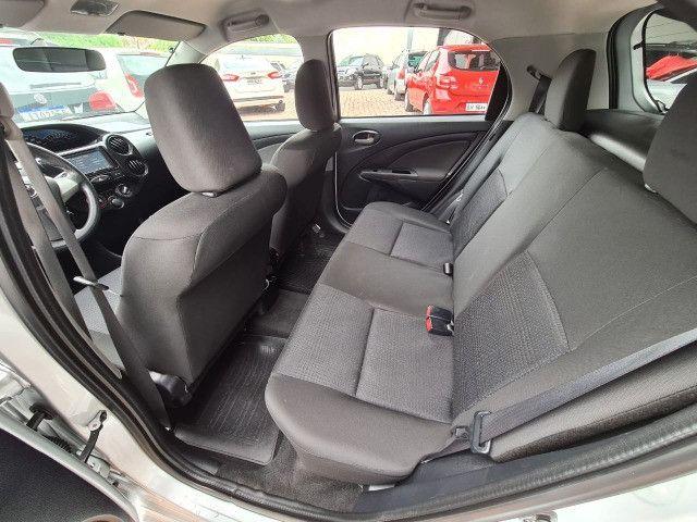 Toyota Etios 1.3X Completo + Multimidia / 2014 ! - Foto 10