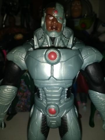 Boneco action figure Cyborg liga da justiça os novos 52