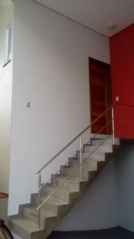 Casa sobrado em condomínio -